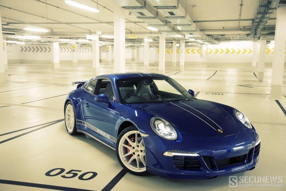 Porsche remercie ses 5 millions de fans avec une Carrera 911 4S Facebook