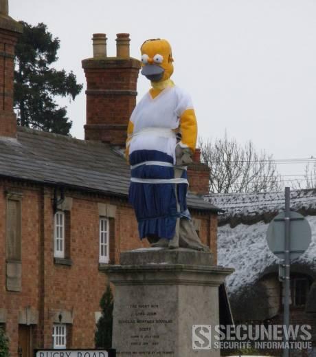 Des farceurs transforment une statue en Homer Simpson