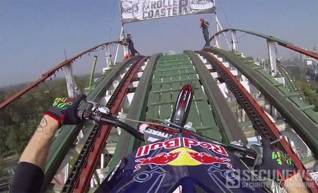 Il se tape les montagnes russes du Mexique en Moto Trial