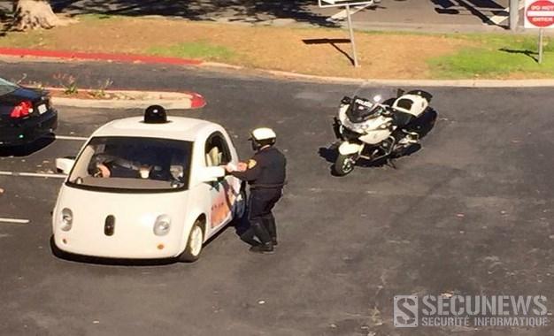 Une Google car arrêtée par la police pour excès de lenteur
