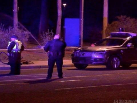La voiture autonome d'Uber qui a tué un piéton, a choisi de ne pas l'éviter!